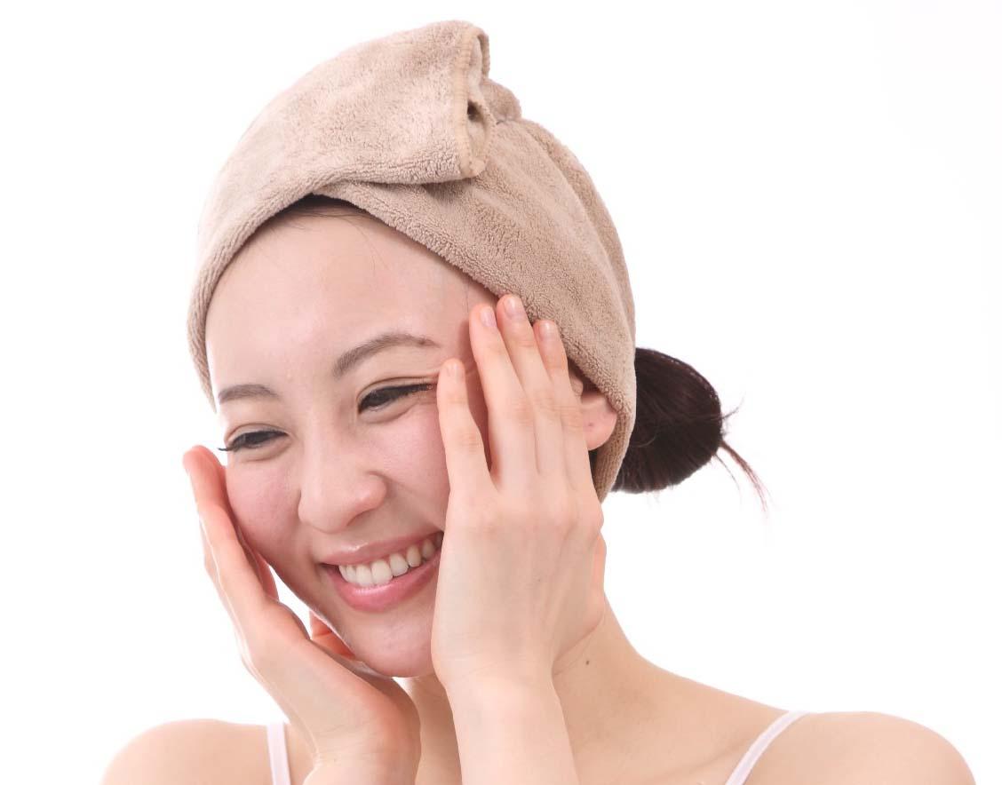春に化粧品を買い替え 保湿と美白の両立