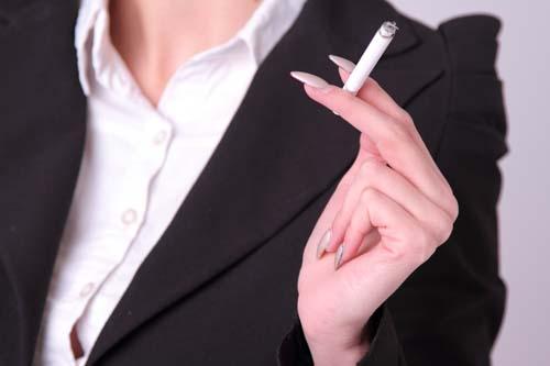 タバコ 乾燥肌 原因