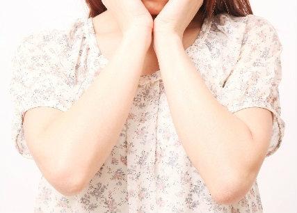肘(ひじ)のしわ 原因とケア方法