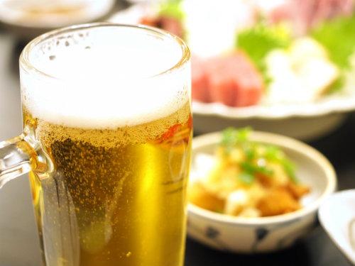 アルコールでビタミンBが不足 肌にも優しいお酒との付き合い方