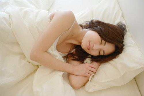 睡眠と肌荒れ 良質な眠り 健康的な肌作り