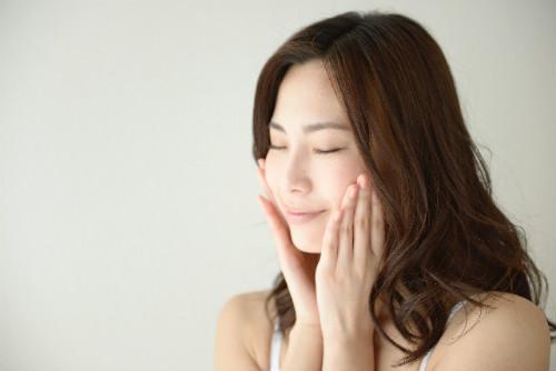 季節の変わり目 肌荒れ 化粧品